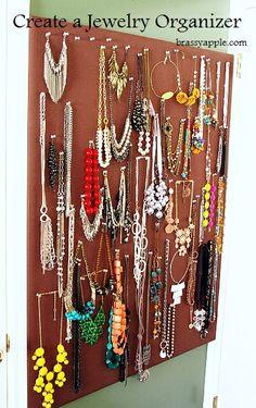 Brassy Apple: DIY Jewelry organizer - cork board makeover!