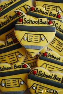 The wheels on the bus go round and… heart-shaped? These bright yellow bus biscuits look soooo good. Fancy Cookies, Heart Cookies, Cut Out Cookies, Cute Cookies, Royal Icing Cookies, Cupcakes, Cupcake Cookies, Sugar Cookies, Cookies Et Biscuits