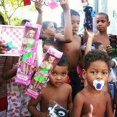 Dia das Crianças está chegando e o Projeto AMIGOS está arrecadando brinquedos para serem entregues nas comunidades Marezão e Quilombo dos Palmares em Olinda. Participe! Fale conosco pelo WhatsApp: 81 98118-1239.  #diadascrianças #doação #brinquedos #solidariedade #missões #olinda
