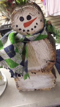Woodworking Crafts And Your Children Wooden Christmas Crafts, Country Christmas Decorations, Xmas Crafts, Rustic Christmas, Xmas Decorations, Christmas Projects, Diy And Crafts, Christmas Ideas, Log Snowman