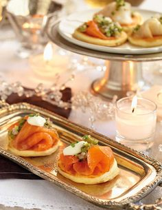 Canapés variados y fáciles de hacer para sorprender a tus invitados Chef Recipes, Healthy Recipes, Christmas Appetizers, Sweet And Salty, High Tea, Finger Foods, Food Art, Catering, Food And Drink