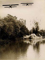 La aviación republicana bonmbardeando en la batalla de Guadalajara