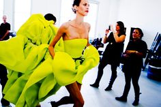 New York Fashion Week - Jason Wu Spring 2012 show Foto Fashion, Runway Fashion, High Fashion, Fashion Beauty, Fashion Show, Fashion Design, Fashion Trends, Vogue Fashion, Fashion Images