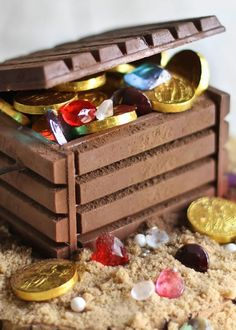 Candy jewels and chocolate coins fill this DIY edible treasure chest. #GemstoneJune: