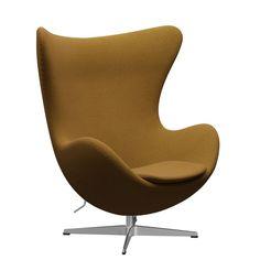 """Fritz Hansen produziert den lebendig geschwungenen Loungeklassiker Das Ei, den Arne Jacobsen wie auch den Swan Sessel für die Lobby des SAS Hotel in Kopenhagen geschaffen hat, aus hochwertigen Materialien in verschiedenen Stoff- sowie Lederqualitäten. Die Technologie, eine robuste Kunststoffschale mit Kaltschaum zu verkleiden, um höchstmöglichen Komfort zu gewährleisten, war damals neu und ermöglichte die bis heute eindrucksvolle Formung """"aus einem Guss"""". Fritz Hansen, Arne Jacobsen, Lounge, Egg Chair, Contemporary Furniture, Classic, Design, Home Decor, Panelling"""