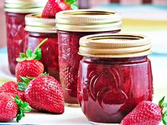 awesome strawberry jam - similar to my recipe I used last year, but this looks even better!
