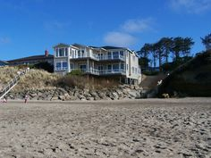 Oregon coast  $1395 per night  Fewer nights here  Admiral's Beach Retreat-Ultimate Luxury 6100sf Private Beach Access . INQUIRE FOR AVAILABILITY and RATE Location, Location, Location! 11 bedrooms, 8.5 bat...
