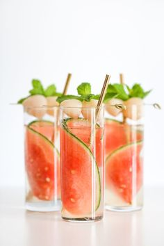 Msg 4 21+ This delicious Sparkling Watermelon Lychee Cocktail is perfect for all your summer parties and get-togethers! #ad