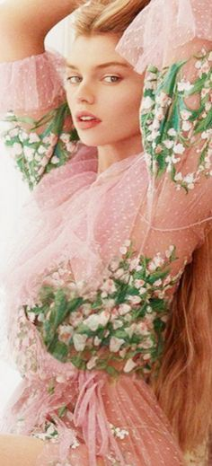 Pastel Pink, Pink Grey, Pink And Gold, Pink And Green, Cute Images, Cream White, Shades Of Green, Pretty Dresses, Spring Fashion