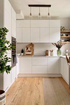 Open Plan Kitchen Living Room, Kitchen Room Design, Kitchen Cabinet Design, Kitchen Layout, Home Decor Kitchen, Interior Design Kitchen, Home Kitchens, Kitchen Drawers, Minimal Kitchen Design