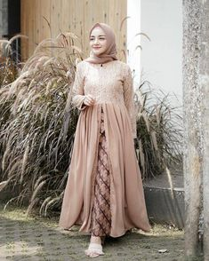16 New Ideas For Sewing Inspiration Women Projects Dress Brukat, Hijab Dress Party, Hijab Style Dress, Batik Dress, Kebaya Modern Hijab, Kebaya Hijab, Kebaya Dress, Model Kebaya Muslim, Dress Muslim Modern