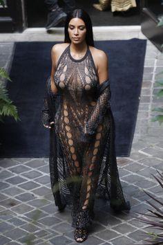 Kim Kardashian leaving her hotel on September 29, 2016 in Paris, France.