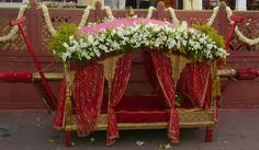 Palanquin for the bride Wedding Pics, Wedding Cards, Dream Wedding, Wedding Day, Trousseau Packing, Indian Marriage, Decoration For Ganpati, Indian Bridal Outfits, Marriage Decoration