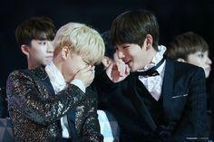 Jimin and V ❤ BTS at the Melon Music Awards (191116) #BTS #방탄소년단