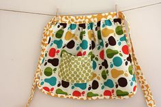 Childs half apron tutorial- I LOVE the fabric, i want this exact one in an adult size!