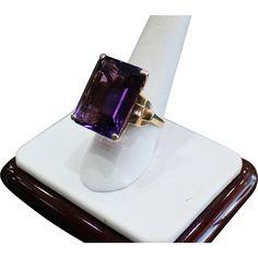HUGE 14 karat yellow gold Natural Purple Amethyst Cocktail Ring Emerald Cut Amethyst