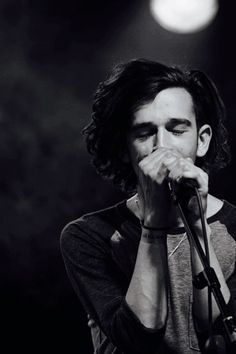 I have this strange affinity with matty. His intellectual, articulate brain is so fascinating to me. I'd love to just have a 3am conversation with him about the world, feelings and emotion. The way he writes and performs with such depth and gives his whole self to a performance. He amazes me and his mind is rare. He is beautiful. And im not objectifying him. He's beautiful In the most honest way and I just love him.