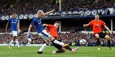 Banh 88 Trang Tổng Hợp Nhận Định & Soi Kèo Nhà Cái - Banh88.info(www.banh88.info) Klaassen: Everton đang đi đúng hướng  Đội bóng vùng Merseyside mở đầu chuyến du đấu Hè bằng trận thắng 2-1 trướcGor Mahia trên đất Tanzania. Tiếp theo đó họ đè bẹp đối thủ đến từ Hà Lan Twente với tỉ số 3-0. Ở trận đấu gần nhất Everton bị Genk cầm hòa 1-1.  Klaassen đến Everton với cái giá không hề rẻ (236 triệu bảng).  Tân binhDavy Klaassen tỏ ra khá bất ngờ với thành quả trên và tin tưởng Everton có thể tiến…