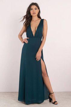 d04012d30dc5 Take Me There Emerald Plunging Maxi Dress  maxidressesgorgeous Abiti Da  Banchetto