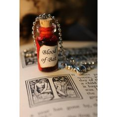 Glass Vial Necklace - Halloween Blood of Bat by spacepearls on etsy Halloween Art, Halloween Decorations, Little Nice Things, Small Things, Vial Necklace, Pics For Dp, Harry Potter Halloween, Something Wicked, Weird Gifts