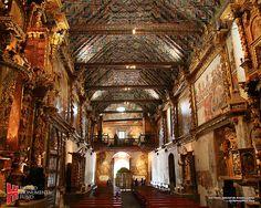 Interior de la iglesia de Andahuaylillas (fotografía cortesía de World Monuments Found)