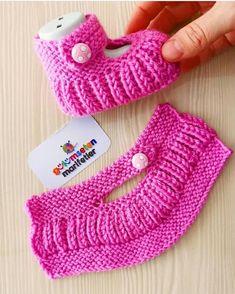 Baby Booties Knitting Pattern, Booties Crochet, Crochet Baby Shoes, Crochet Baby Booties, Baby Knitting Patterns, Knitting Designs, Knitting Socks, Hand Knitting, Crochet Patterns
