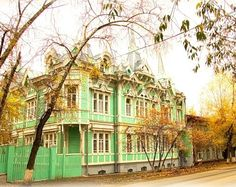 Lace architecture of wooden houses in the Siberian city of Tomsk