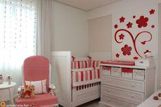 decoração de quartos de bebê menina flores vermelhas