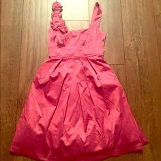 Beautiful pink dress size 3 Gorgeous pink dress from Von Maur. Perfect dress to wear to a wedding! Only worn once. Von maur Dresses Wedding