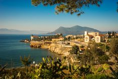 Learn what to do when visiting Sterea, a region in the central part of Greece. Great Places, Places To Go, Greece Culture, Tourist Sites, Greece Holiday, Greece Islands, Island Beach, Rest Of The World