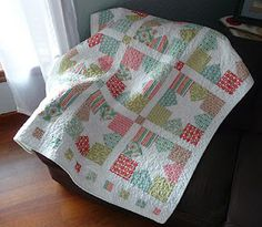 Moda Bakeshop Tutorial - Hummingbird Hollow Quilts - can be made with two charm packs - Christmas colors?