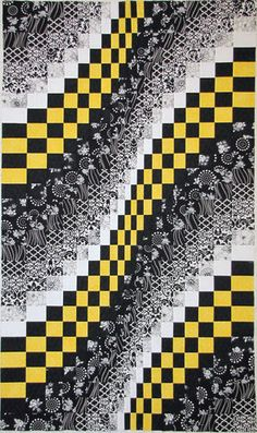 quilt section featuring bargello quilting technique with graduated strips in black, white and yellow . Bargello Quilt Patterns, Bargello Quilts, Bonnie Hunter, Fabric Painting, Fabric Art, Quilting Projects, Quilting Designs, Black And White Quilts, Black White