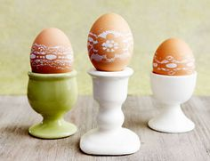 lace stenciled eggs