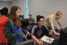 El comité de  información está colaborando en formar ideas para el diseño del wiki.