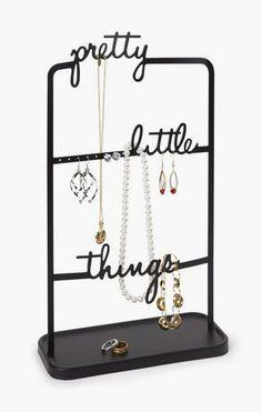 So Pretty Jewelry Stand
