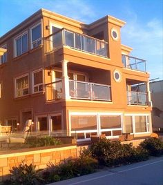 Fabulous Mission Beach Oceanfront 3BR Condo! ... - VRBO available 8/15-22