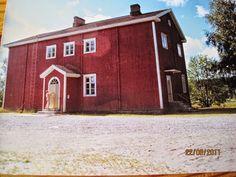 Ähtärin historiaa - Vääräkosken koulu, joka paloi 1970-luvun lopulla. Cabin, House Styles, Home Decor, Historia, Decoration Home, Room Decor, Cabins, Cottage, Home Interior Design