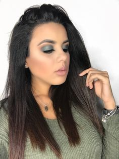 Fall Olive makeup look using Jaclyn Hill X Morphe Palette http://princessmiiaa.com/home/2017/9/28/8oy9pomd06rlh48t0hasyxskhkxyvv