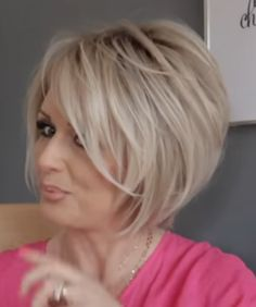 Short hairstyles hairstyles halblang short 35 hottest easy short hair trends in every color for 2019 hairstyles haircuts makeuphair haircut hairstyles weddinghair weddinghairstyles Short Hairstyles For Thick Hair, Short Hair With Layers, Short Bob Haircuts, Short Hair Cuts, Short Hair Styles, Short Blonde, Undercut Hairstyles, Trending Hairstyles, Hairstyles 2016