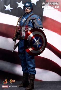 Hot Toys : Captain America: The First Avenger - Captain America 1/6th scale Collectible Figurine