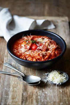 Louises køkken: Italiensk inspireret tomatbrødsuppe