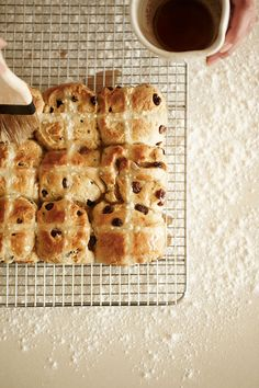 butter brushed hot cross buns :: for #easter #pascha