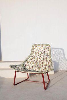 kettal maia fauteuil relax par patricia urquiola ici http