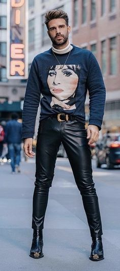 Leather Jeans Men, Tight Leather Pants, Leather Pants Outfit, Leather Trousers, Leather Jacket, Jacket Men, Latex Men, Latex Pants, Leder Outfits