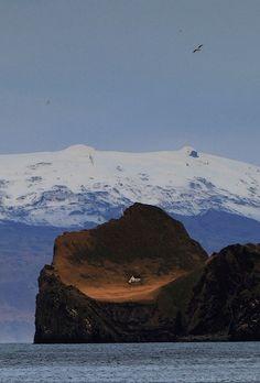 Eyjafjallajökull (by Sverrir Thorolfsson)