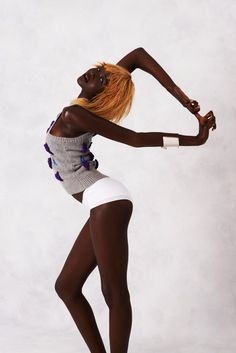 A hand picked collection of 412 named black fashion models from around the globe. Black Fashion Model Directory Top 662 Most Beautiful Black Models - High Fashion Poses, Fashion Model Poses, Fashion Models, Model Poses Photography, Poses Silhouette, Vogue Dance, Vogue Poses, Mode Glamour, Pose Reference Photo