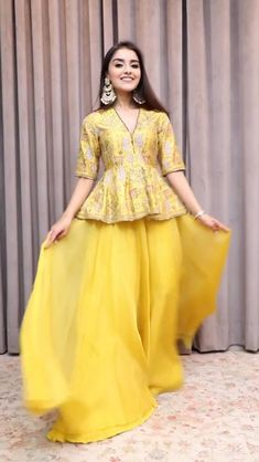 Party Wear Indian Dresses, Pakistani Dresses Casual, Indian Gowns Dresses, Indian Bridal Outfits, Pakistani Bridal Dresses, Dress Indian Style, Indian Fashion Dresses, Indian Designer Outfits, Designer Party Wear Dresses