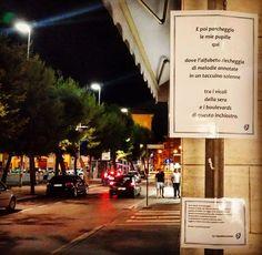 La piazza di Civitanova Marche e la sua fermata poetica.