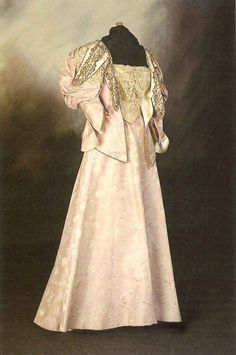 This dress was designed by Madame Clapham for the Mayoress of Hull in It has fashionable leg of mutton sleeves, lilac silk brocade, trimmed with lace around the bodice and sleeves © Hull Museums 1890s Fashion, Edwardian Fashion, Vintage Fashion, Edwardian Gowns, Historical Costume, Historical Clothing, Vintage Gowns, Vintage Outfits, Retro Mode