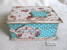 Discover thousands of images about decoupage tea Diy Arts And Crafts, Wood Crafts, Paper Crafts, Diy Crafts, Decoupage Box, Decoupage Vintage, Cigar Box Art, Shabby, Tea Box